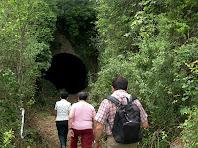 Arribant a la boca nord del túnel del Carrilet