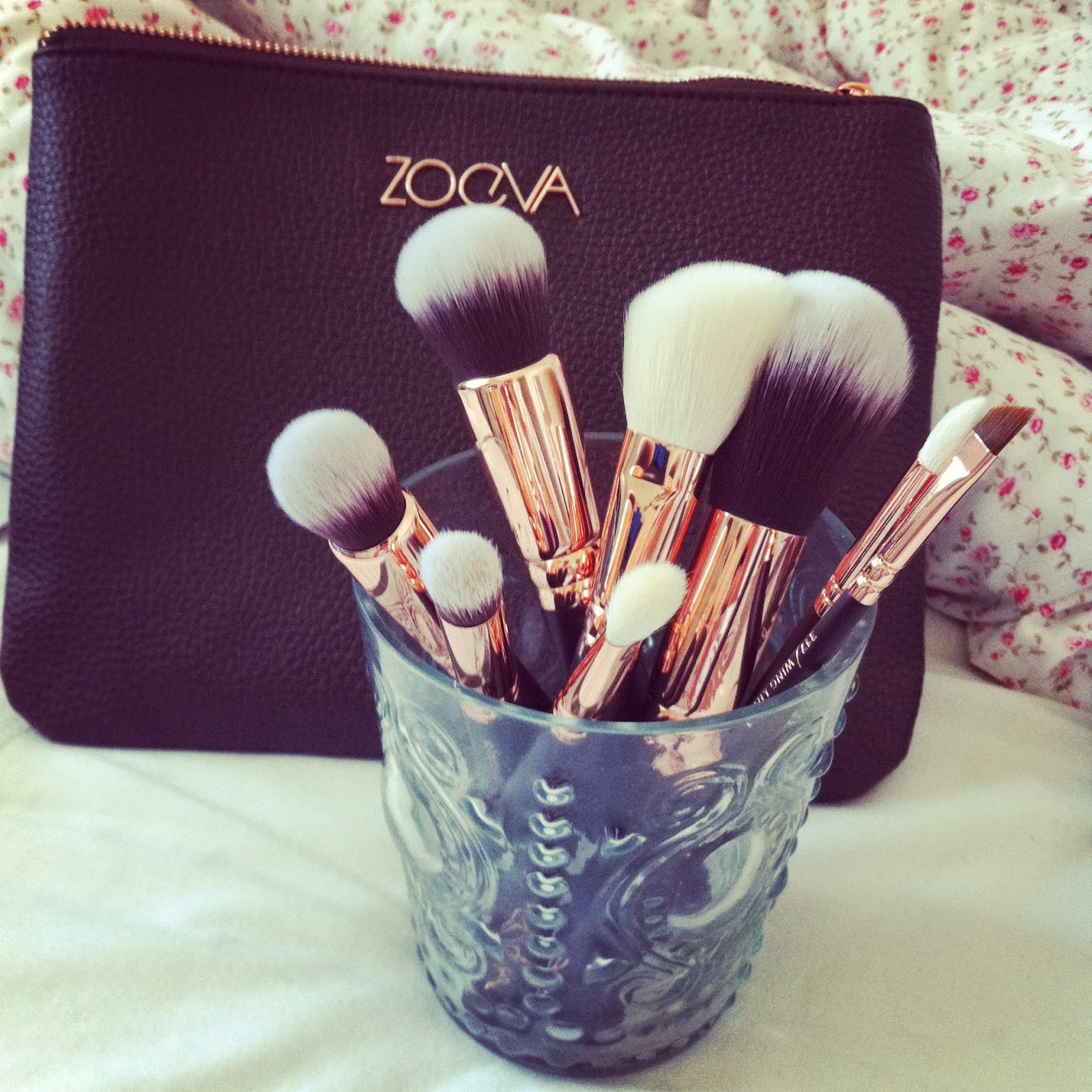 grace 39 s notebook zoeva rose gold luxury brush set. Black Bedroom Furniture Sets. Home Design Ideas