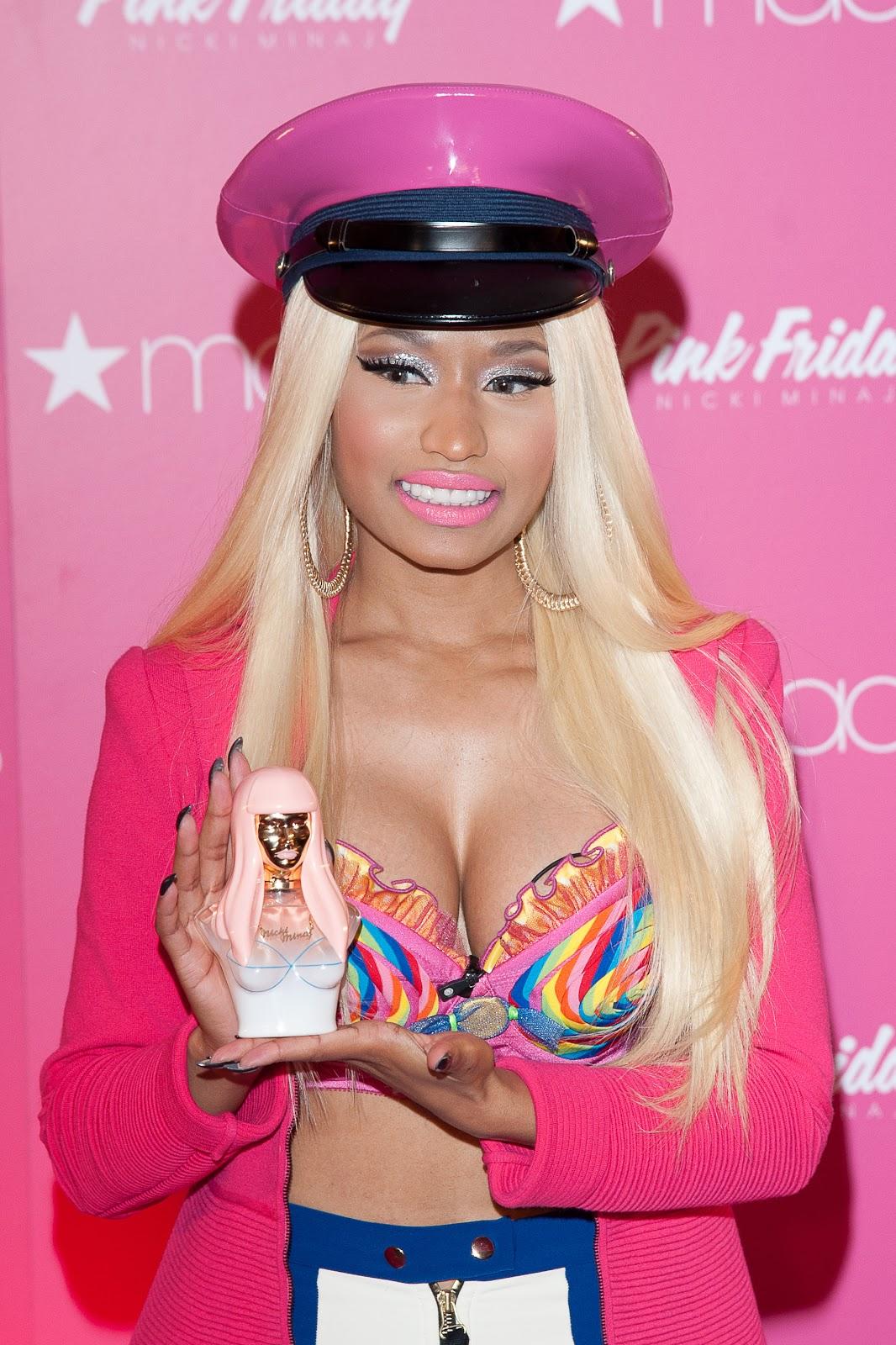 http://3.bp.blogspot.com/-VpvVmqQo18E/UIHiMVGxfkI/AAAAAAAABY4/AroOZmARnOM/s1600/nicki-minaj-perfume-pink-friday-fragrance-macys-babado-confusao-querida-161.jpg