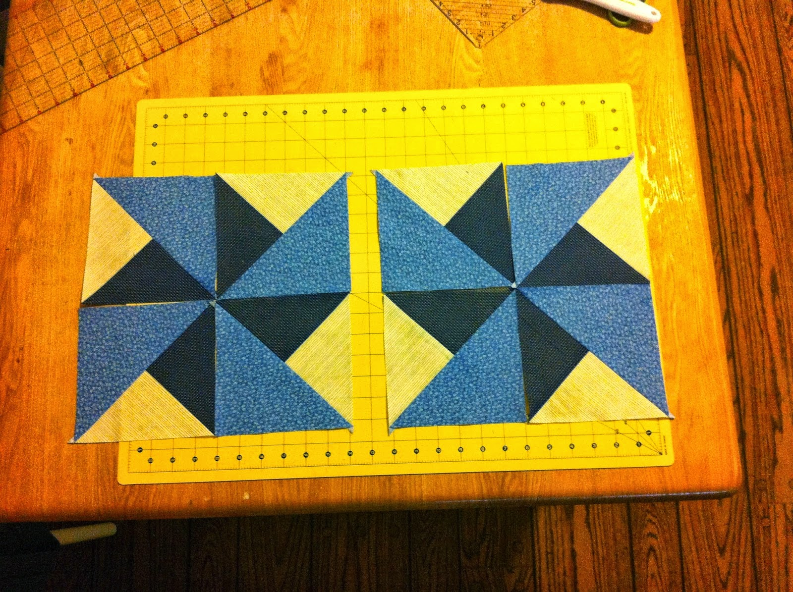 http://sewpreetiquilts.blogspot.com/2014/04/four-patch-hst-boston-block-tutorial.html