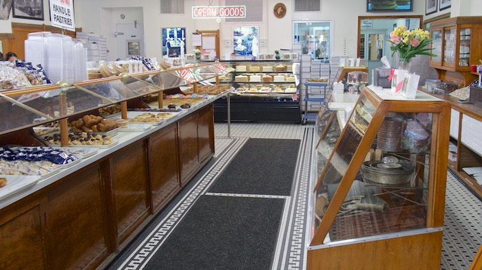 In Business For Over 94 Years This Family Owned Bake Shop Cranks Out Some  Of The Best Italian Sweets In Town. Terminiu0027s Is Especially Known For Their  ...
