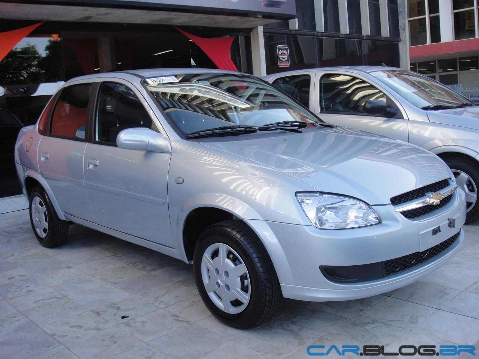 Chevrolet classic 2013 com abs e air bag prata