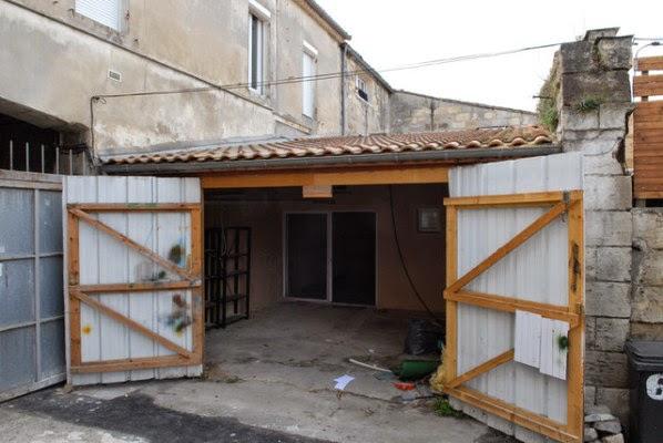Co dokázal vytvořit z této plechové garáže je až neuvěřitelné ... a inspiru