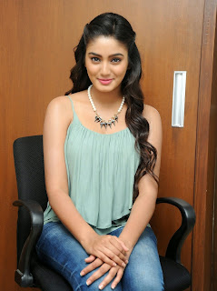 Sana Maqbool in Jeans at Dikkulu Choodaku Ramayya movie press meet (3).jpg