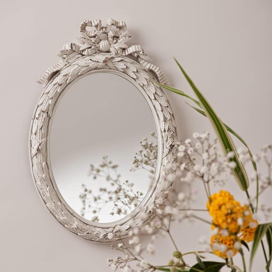 10 espejos vintage para una decoraci n de poca for Espejos ovalados para decorar