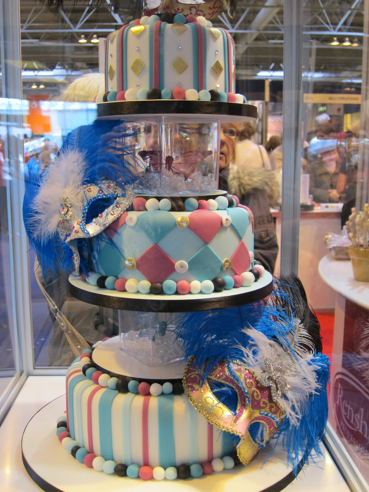 Trade Cake Stands : A little bit of heaven on plate cake international