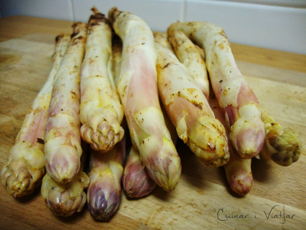 C mo limpiar y cocinar esp rragos frescos recetas de cocina for Cocinar guisantes frescos