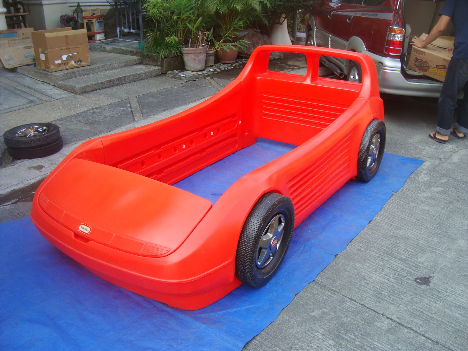 MommysLove4Baby143: Red Little Tikes Twin car bed w/toybox in hood and ...