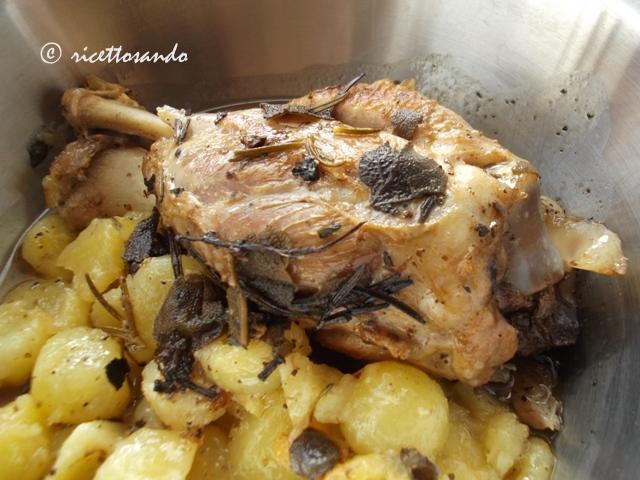 Stinco di maiale al forno ricetta tradizionale di carne suina