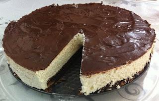עוגת קרם עם שוקולד חגיגית ללא קמח