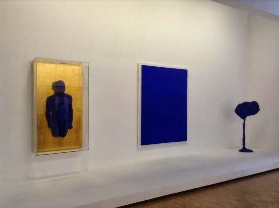 """Yves Klein, Portrait-relief """"Arman"""" & IKB3, Monochrome bleu sans titre"""