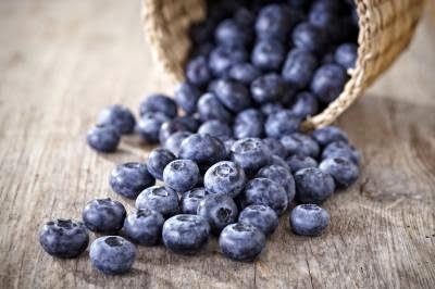 http://www.livestrong.com/article/435795-amount-of-sugar-in-blueberries/