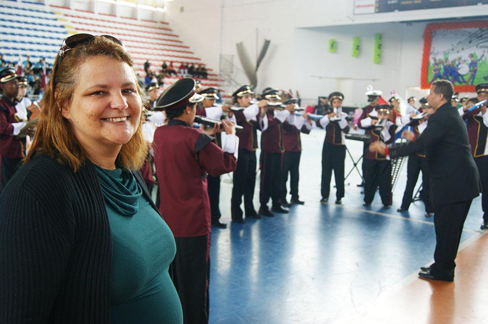 Diretora Jane Lara Motta fica muito feliz com as premiações do C. E. Beatriz Silva