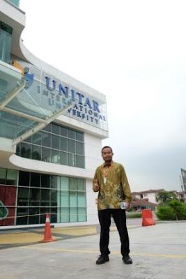 di depan UNITAR International University
