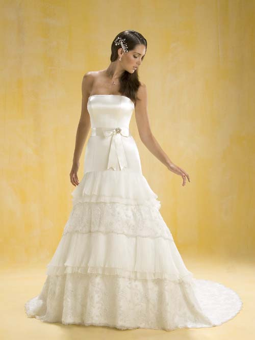 Romantic Bridal Gowns : Wedding fashion beautiful romantic gowns collection