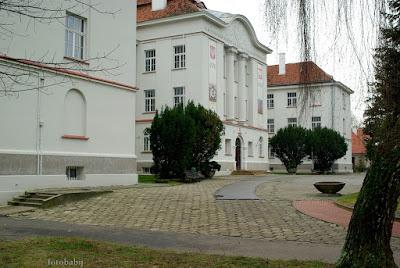 http://fotobabij.blogspot.com/2016/01/budynek-liceum-im-aj-ks-czartoryskiego.html