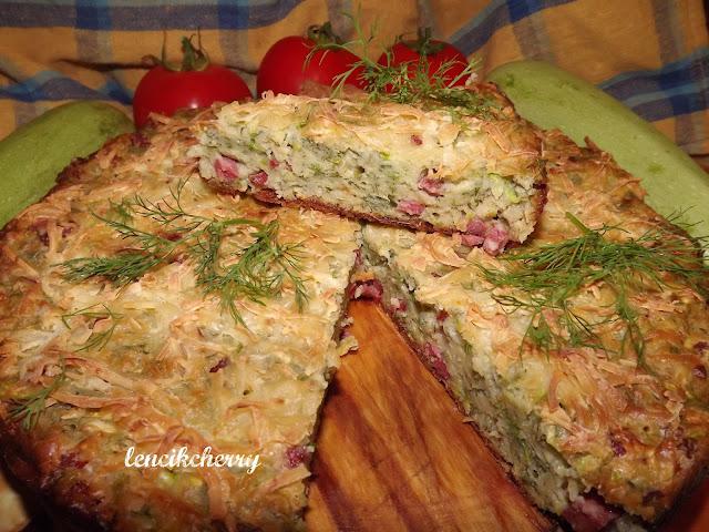 пирог из кабачков и колбасы