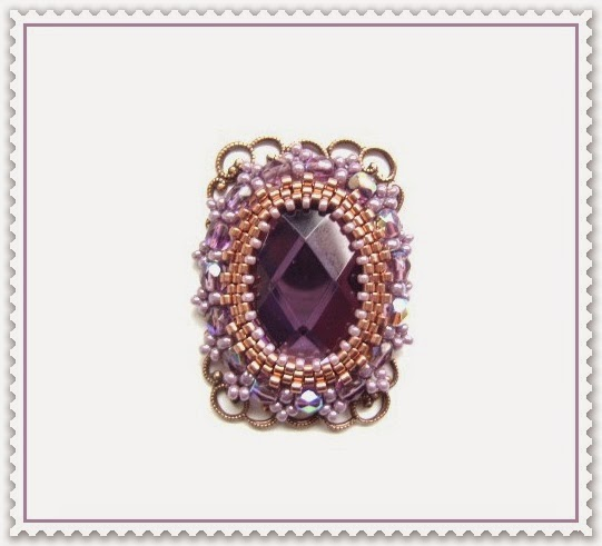 Ring Violett Beadwork by Katharina Krebs