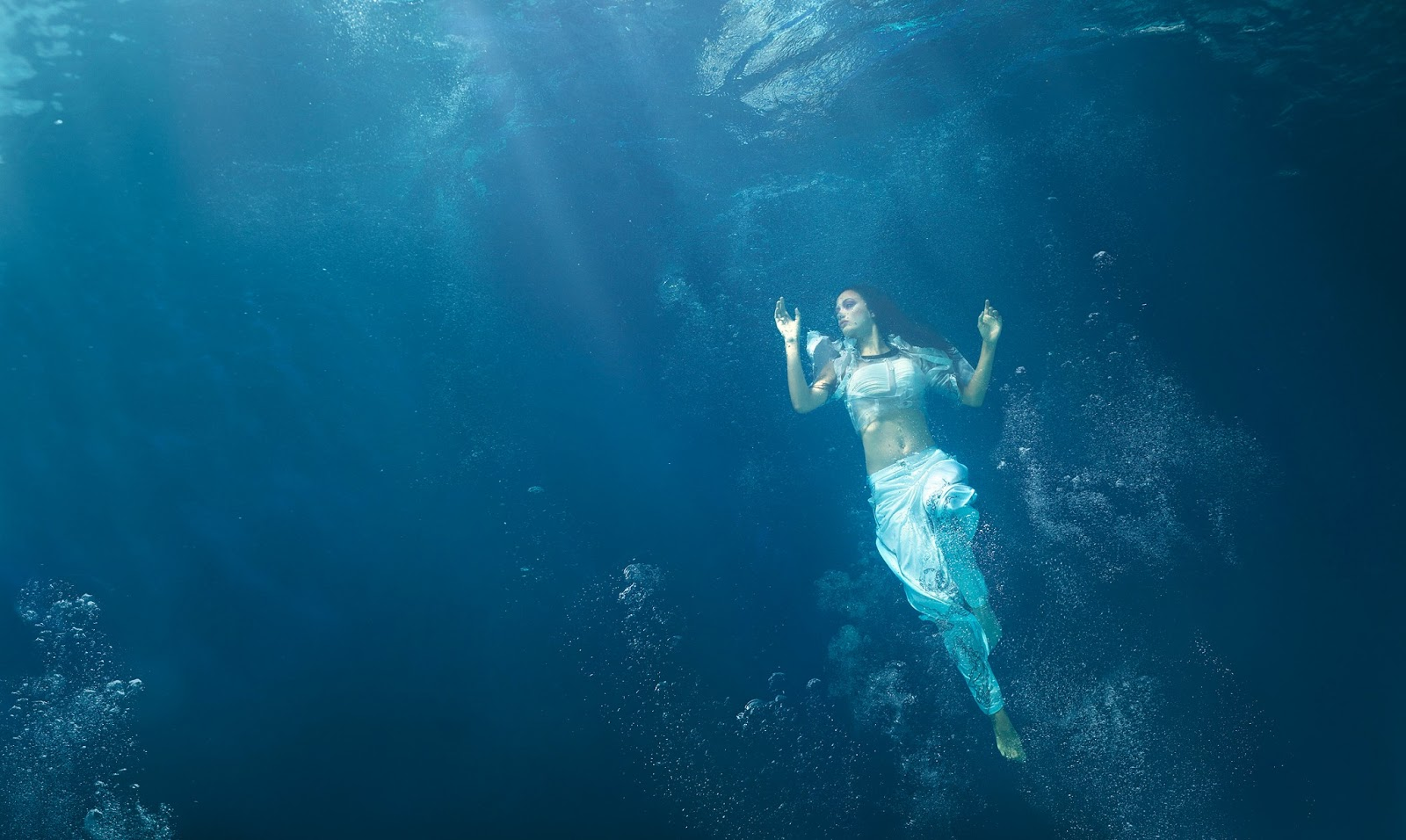 how to avoid drowning in ocean