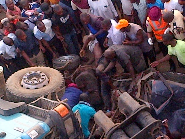 Exclusive photos from the fatal accident in Abuja this morning  1