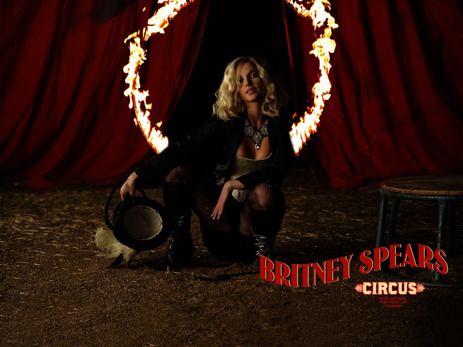http://3.bp.blogspot.com/-VszJH95It4g/UAmtjxficdI/AAAAAAAAAC4/yo2SepETeqs/s1600/Britney-Spears-Circus-1600x1200-Wallpaper.jpeg