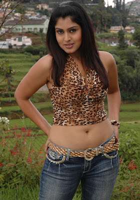Actress Sheryl Brindo Hot Hip Show in Jeans
