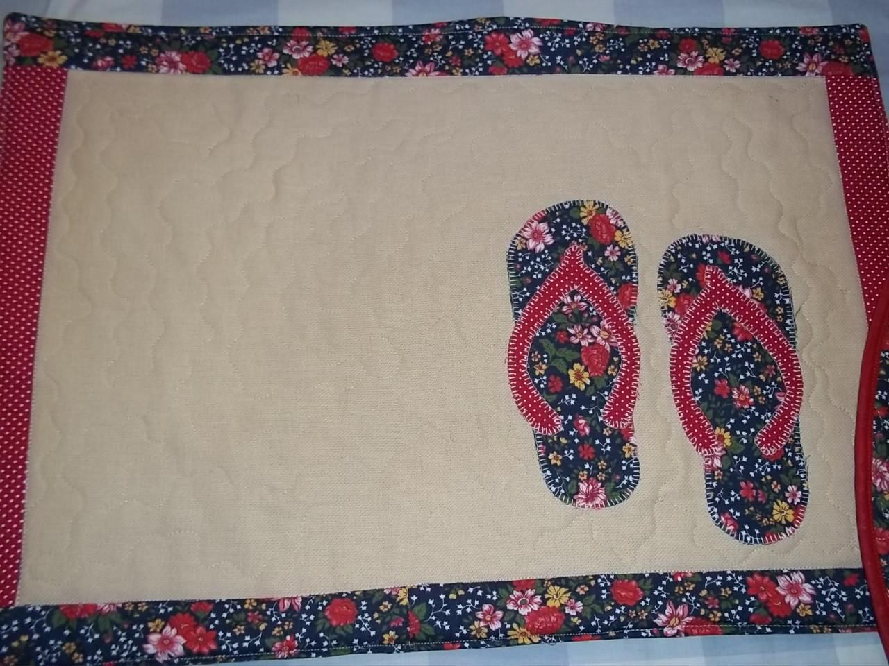 Patchwork Em Tapete De Banheiro : Este tapete faz par com a toalha de gatinhos namorando.