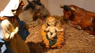 Portal de Belén con niño jesus la virgen la mula y el buey