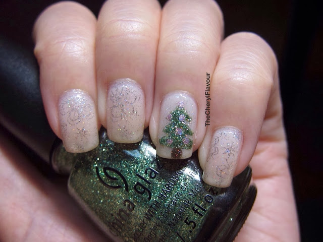 Christmas Tree On My Nails!