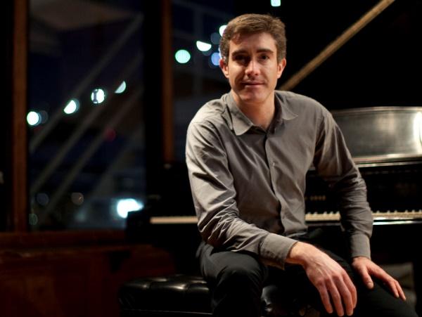 Pianista norte-americano se apresenta em Campina com show de música clássica contemporânea