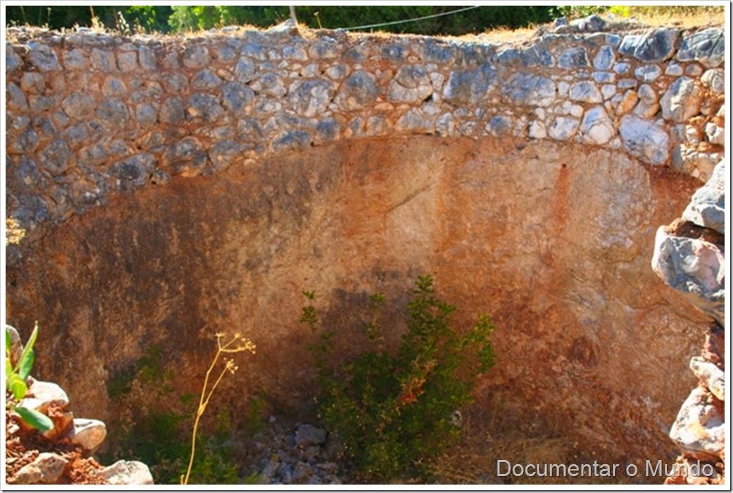 Forno de cal tradicional; Monumentos Megalíticos de Alcalar; Férias no Algarve