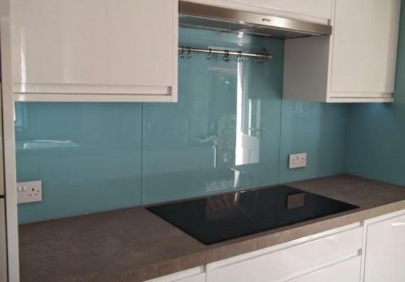 Arantxa amor decoraci n zona salpicadero de la cocina a - Tapar azulejos cocina ...