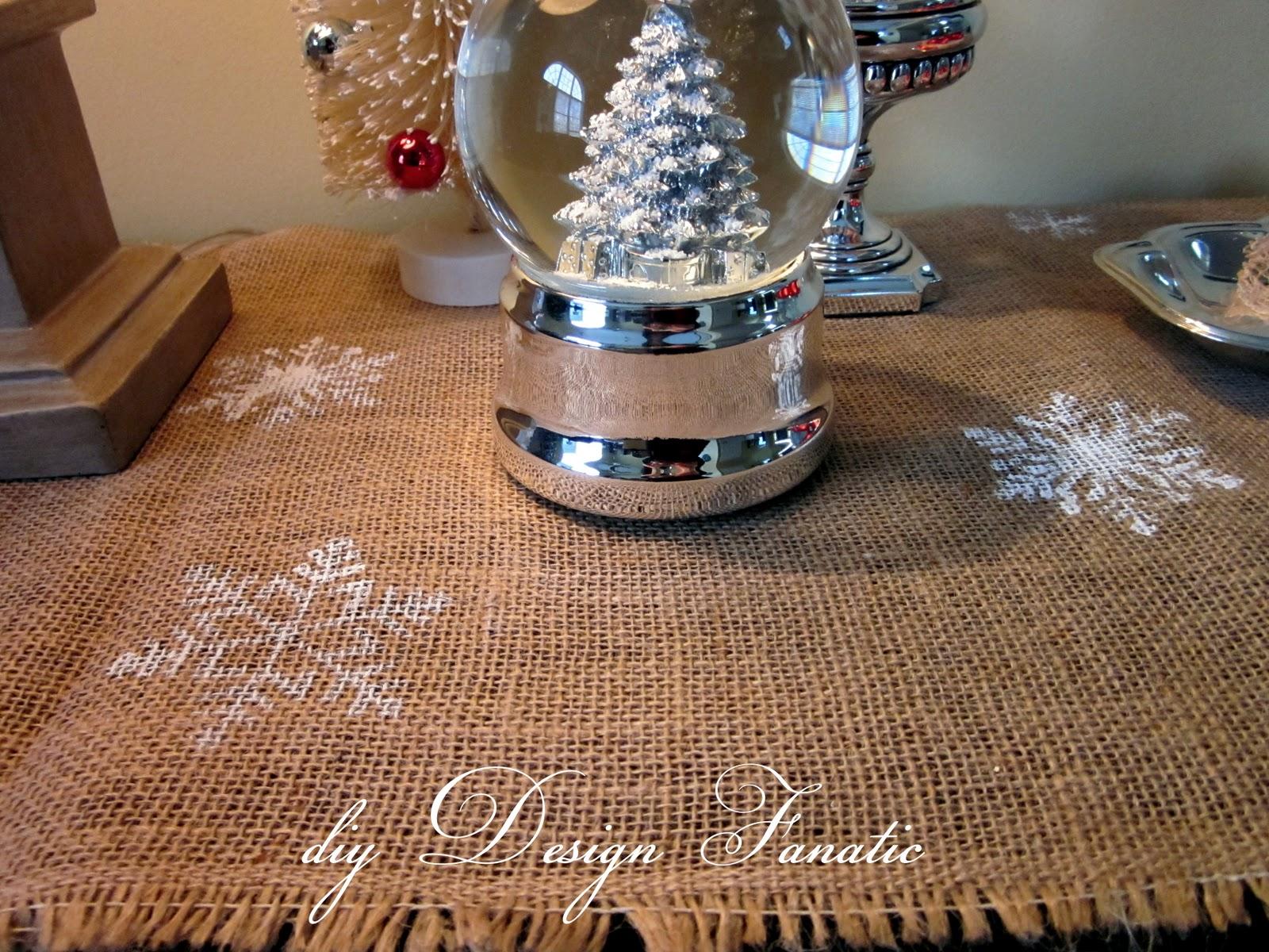 Diy design fanatic super easy diy christmas stenciled for Easy diy table runner