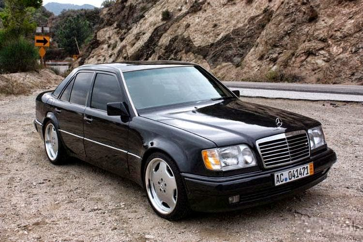 mercedes benz w124 e500 black benztuning. Black Bedroom Furniture Sets. Home Design Ideas