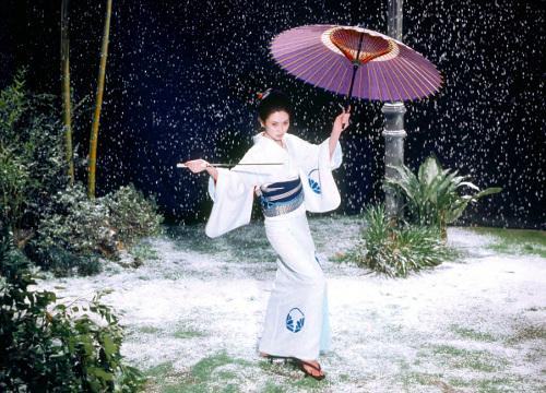 http://3.bp.blogspot.com/-VtmaNEAa9Vs/T-RGYzIYBsI/AAAAAAAACqU/KeDkO550UVM/s1600/snowblood1.jpg