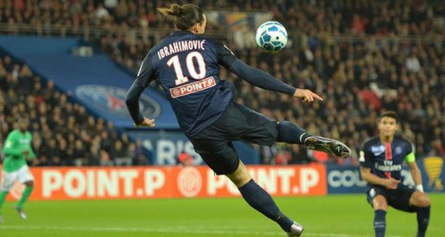 Le geste fou d'Ibrahimovic face à Saint-Etienne (vidéo)
