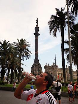 BARCELONA - Monumento a Colón (Las Ramblas) España 2013