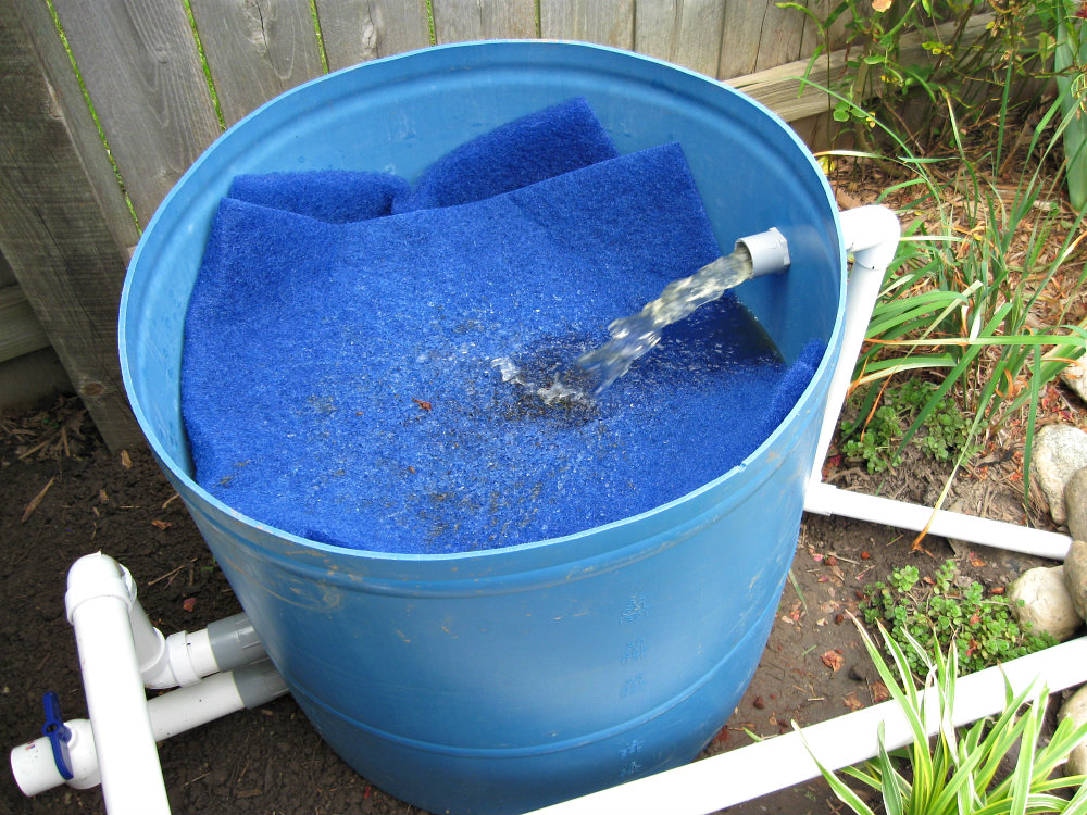 Feltsewgood pond progress quick weekend update for Diy pond filter bucket
