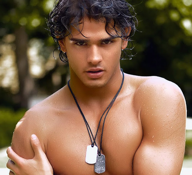 Marlon Texiera, shirtless, wet, and looking hotter than I've ever seen him
