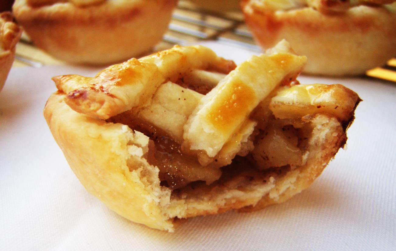 Pin Kue Tradisional Maknyoskue Indonesia Cake on Pinterest