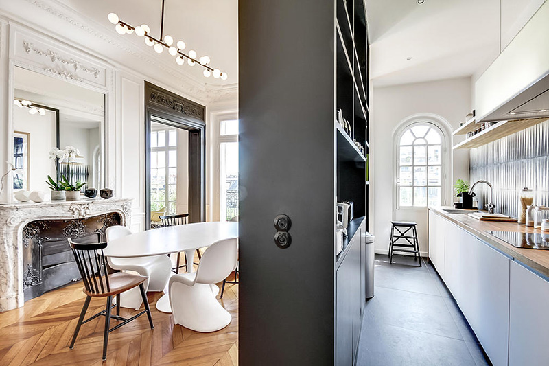 Un appartement haussmannien moderne et design blog d co for Renovation sejour salle a manger