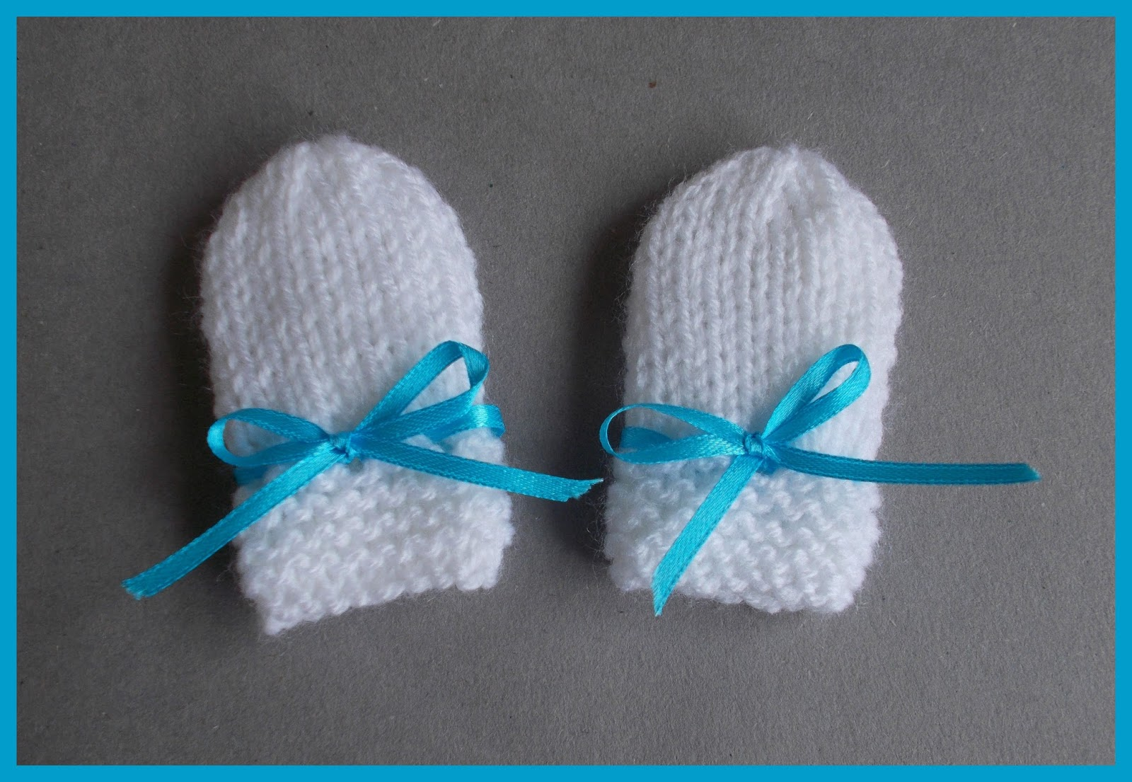 Knit Mitten Ornament Pattern : mariannas lazy daisy days: Simple Baby and Preemie Baby Mittens