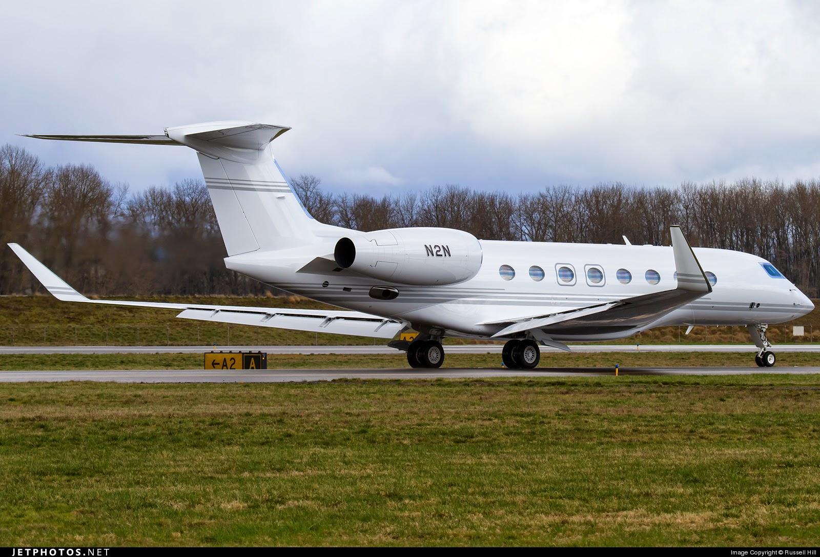 Airplane Life Steve Jobs And Jony Ive Private Jet Gulfstream N2N N586GV  F