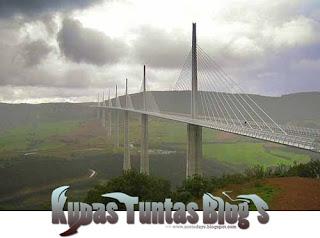 Millau Viaduct II - [www.zootodays.blogspot.com]