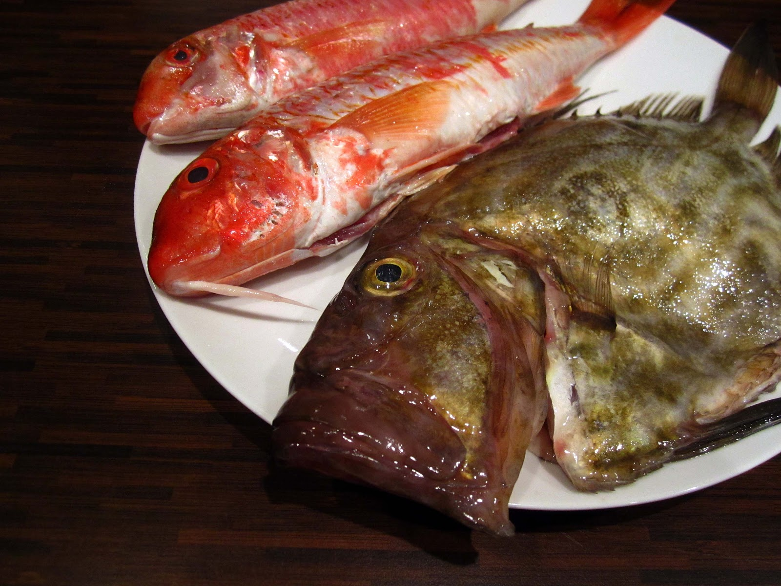 Pan fried red mullet with butter and bay the grazer for Eating mullet fish