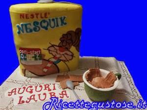 http://www.ricettegustose.it/Dolci_e_decorazioni_html/Torta_decorata_barattolo_di_nesquik.html