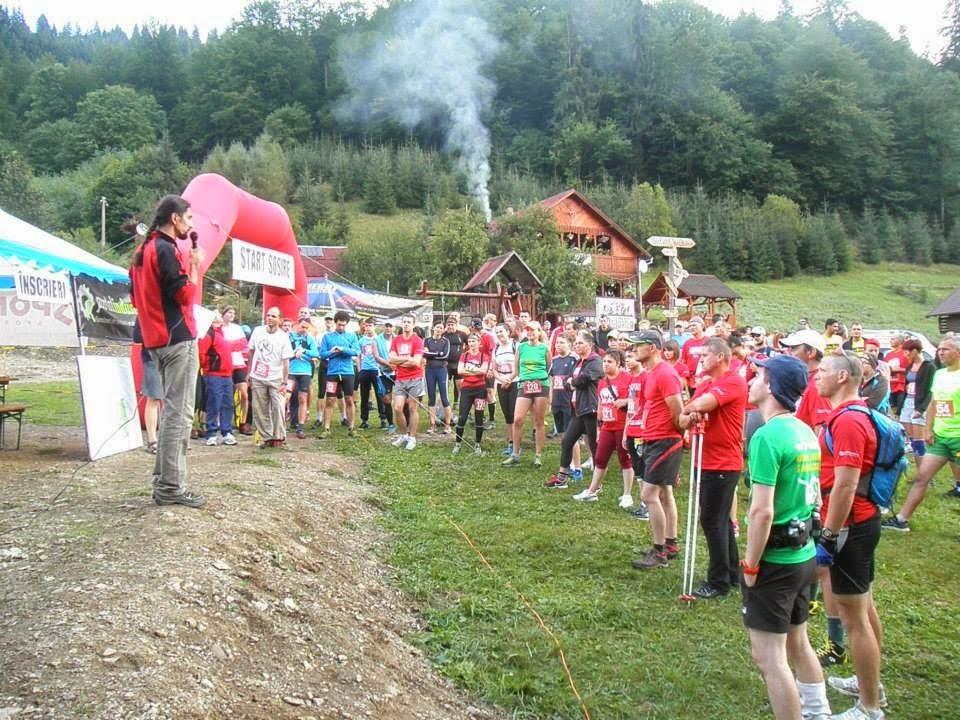Runsilvania WILD RACE. Competiţie de alergare montană, gulaş, bere şi Răchiţele. O excursie frumoasă la munte. Şedinţa tehnică şi Start
