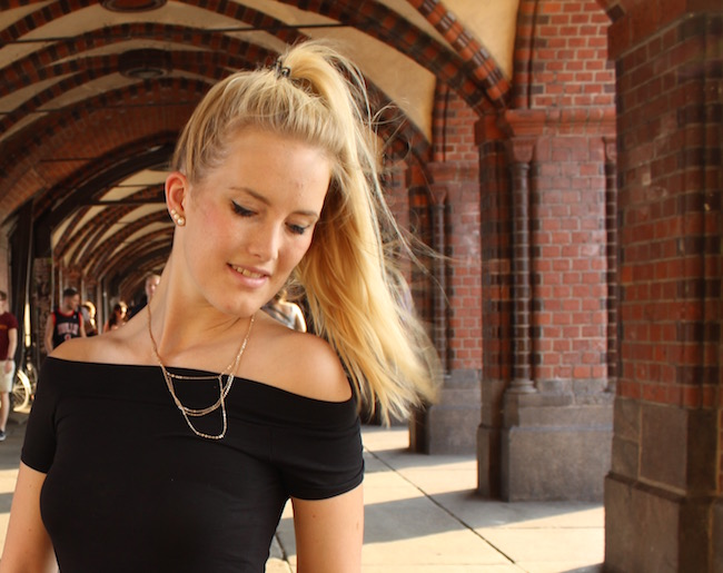 TheBlondeLion How to style Sommer Outfit Rock Berlin Oberbaumbrücke