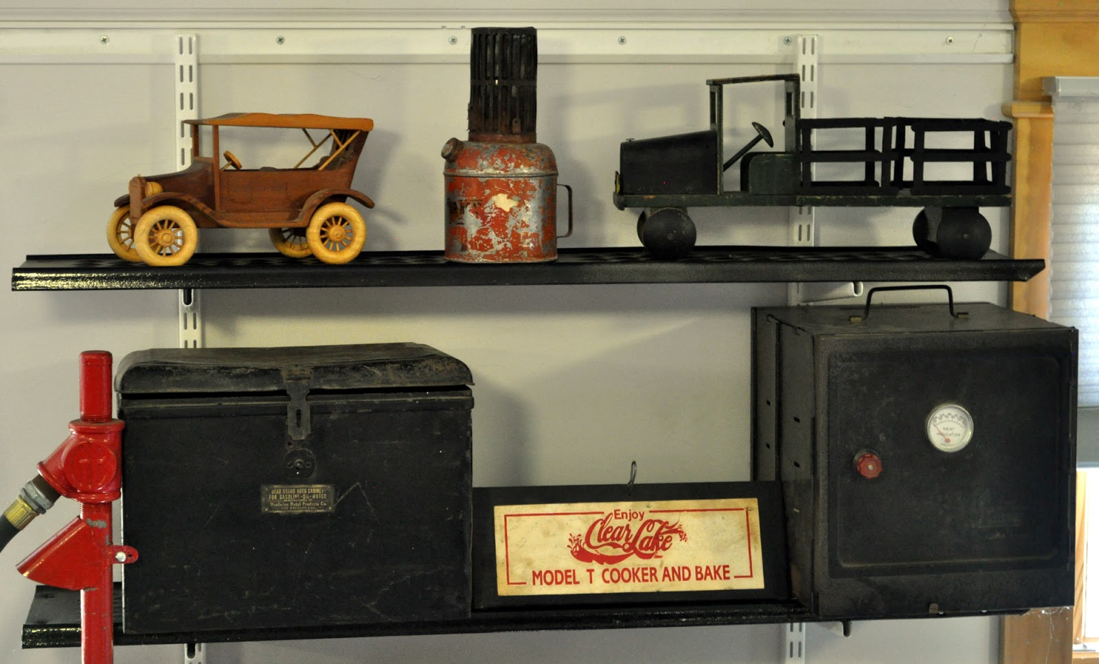 Garage Stuff For Guys : Just a car guy garage that has more cool stuff than