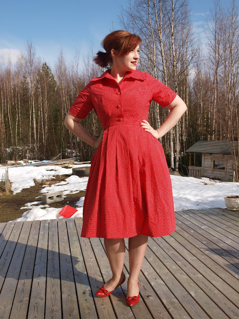 50's vintage pattern shirtwaist dress